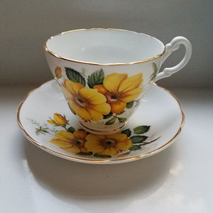 Teacup Set Made In England Consort Yellow flowers